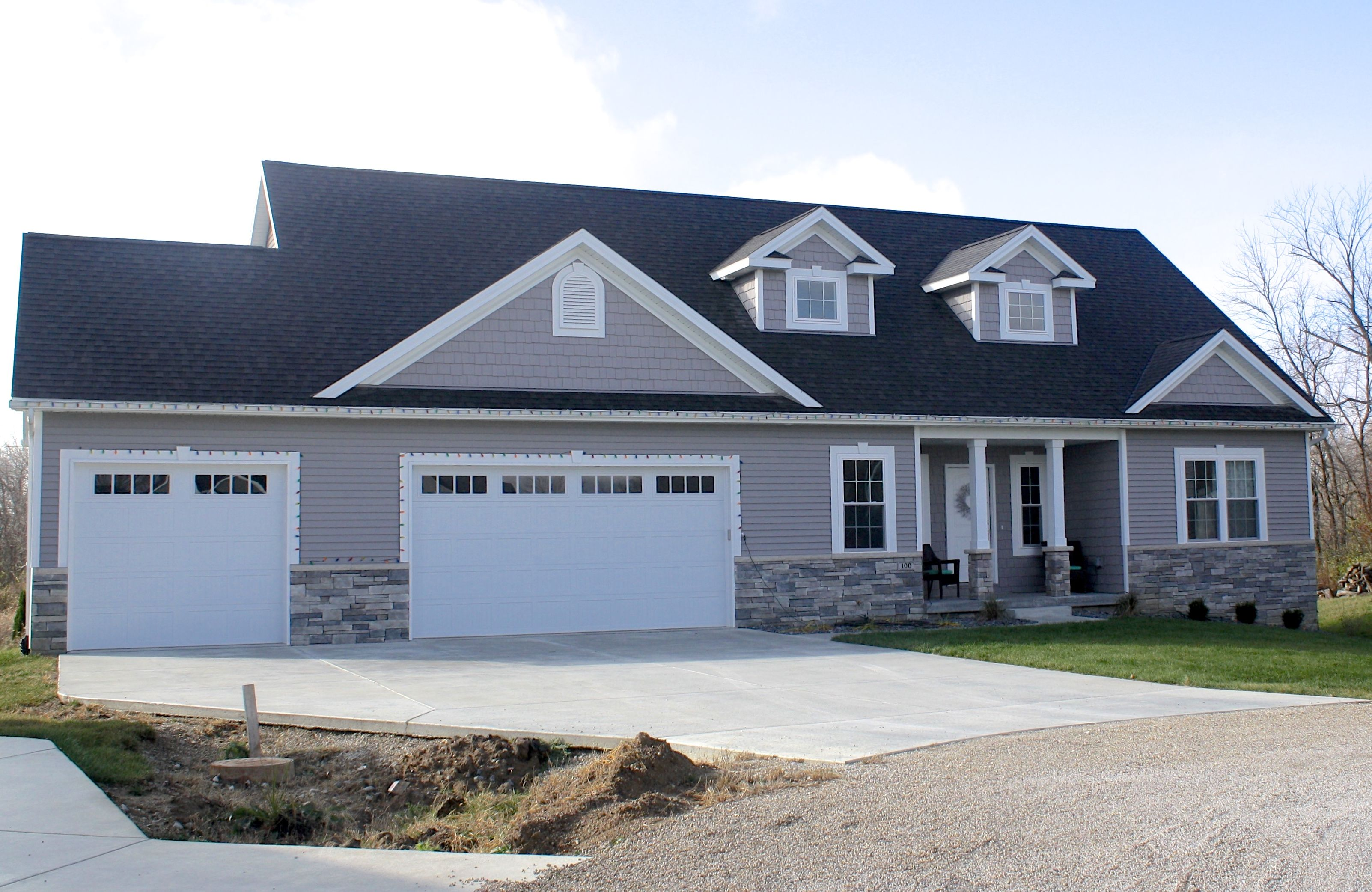Mastic Harbor Grey Siding And Staggered Shakes
