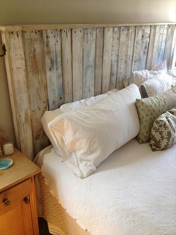 build a simple pallet headboard 99 pallets wood projects pallets and more pinterest. Black Bedroom Furniture Sets. Home Design Ideas