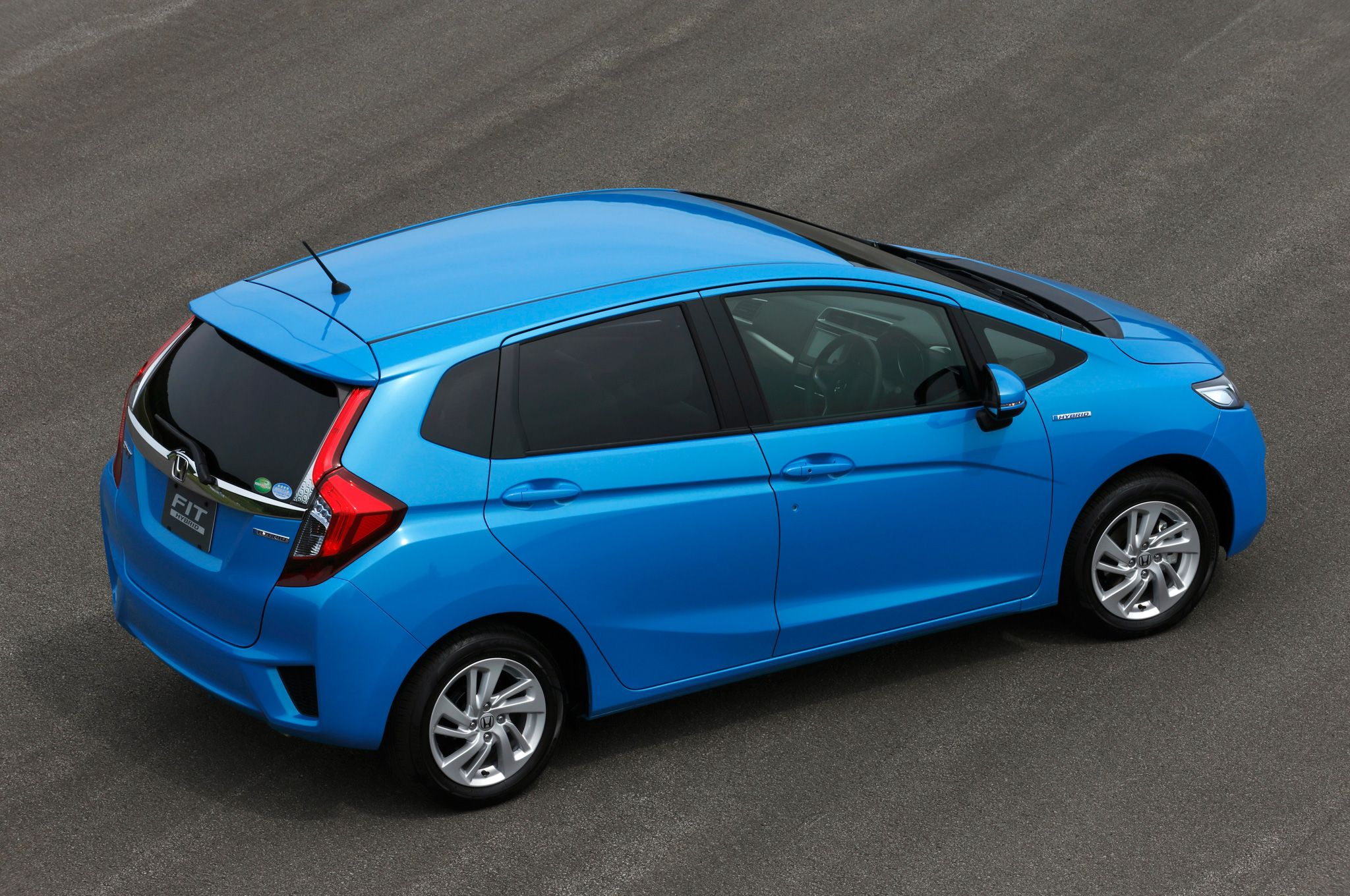 Advantages and lacks of honda fit hatchback