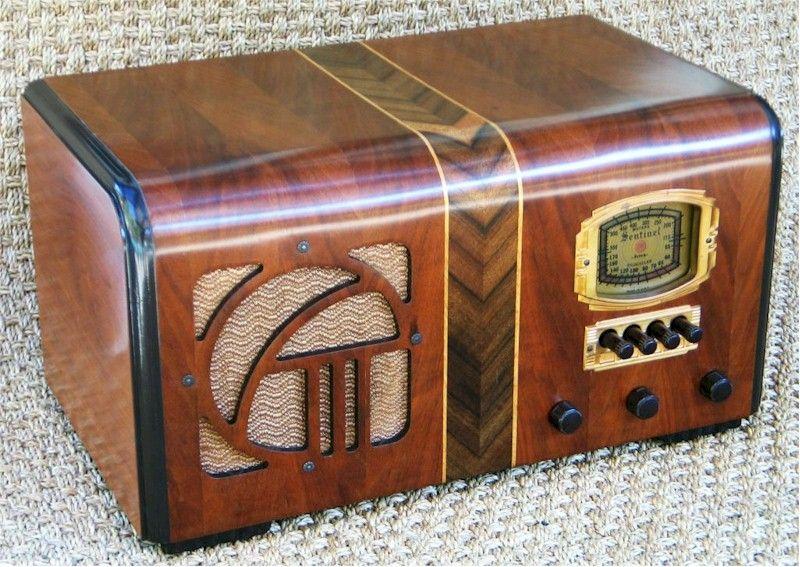 Sentinel Farm Radio 1949 Sold At The Radio Attic Item Number 1310022 Vintage Radio Antique Radio Retro Radios