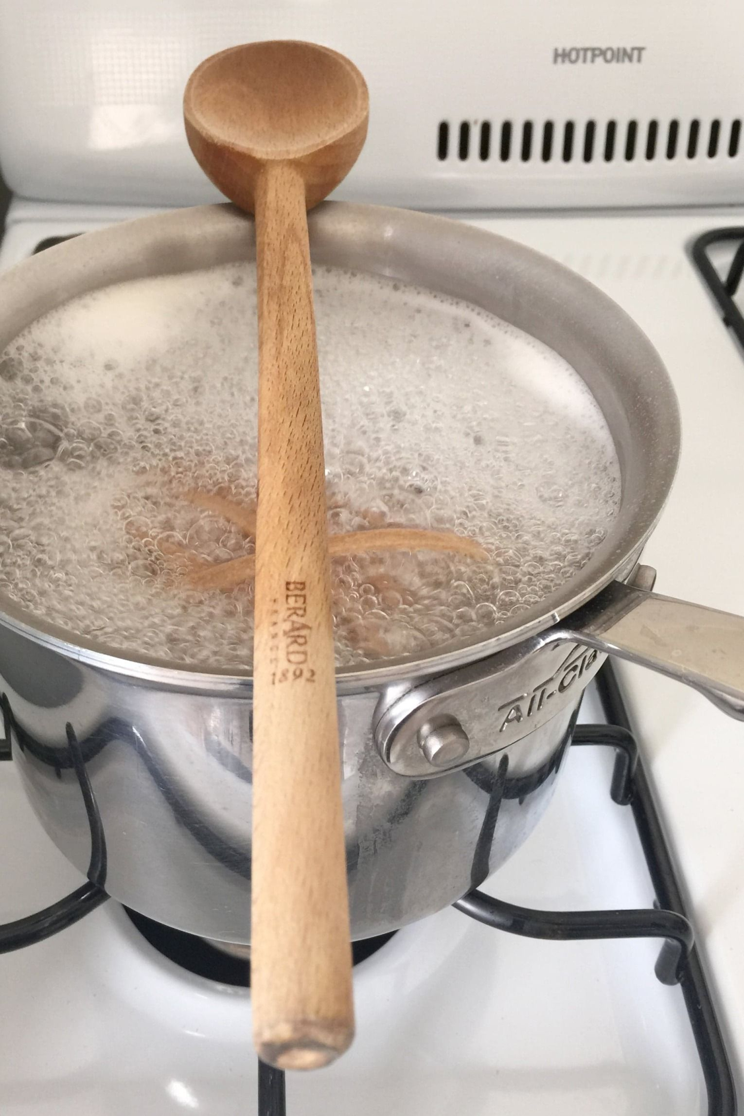 Life Hacks In Der Küche Prevent Water From Boiling Over With This Simple Trick