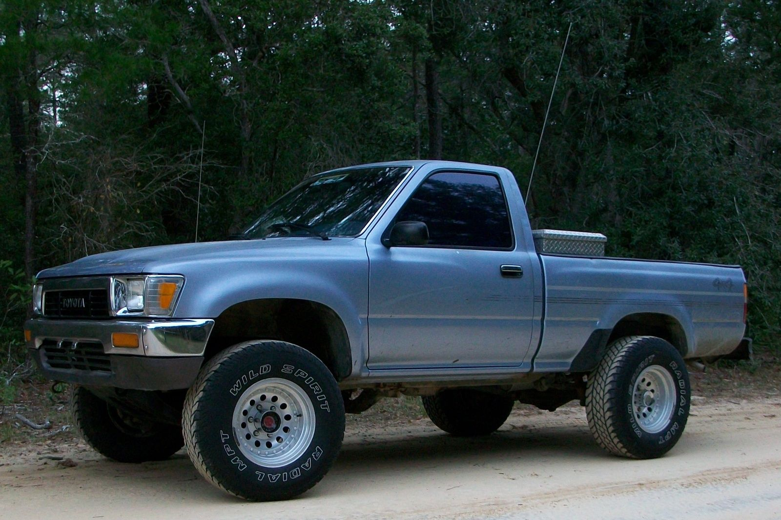1991-toyota-4wd | Awesome things | Toyota pickup 4x4, Toyota