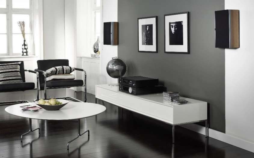 Abbinare due colori in una stanza - Salotto con pareti grigie e ...