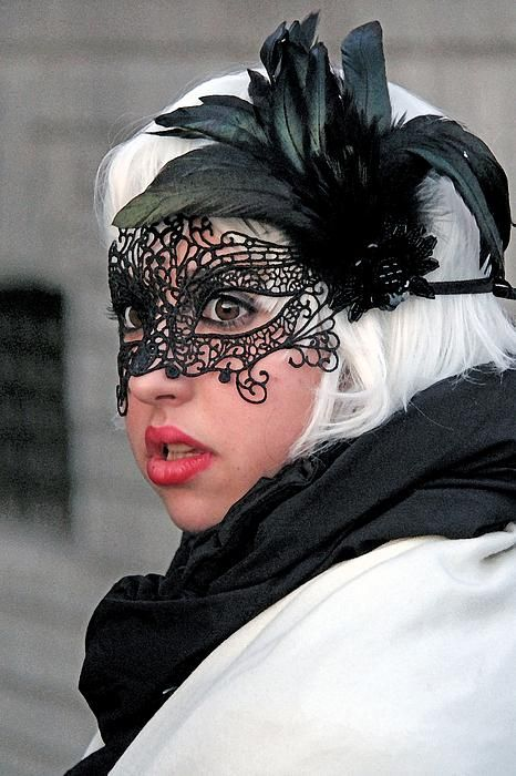 Masked lady in Venice, Italy.  Photo by Per Lidvall  www.AspectusForma.com