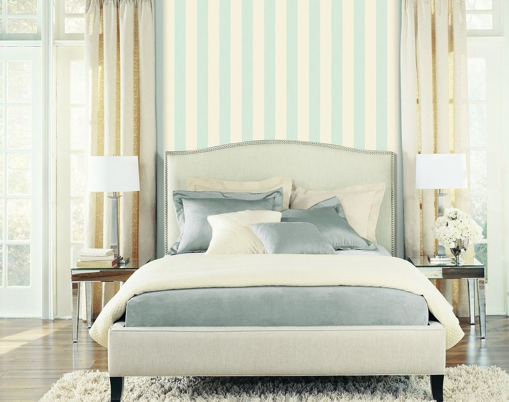 Dormitorio decorado con papel pintado Saint-Honoré de la colección ...