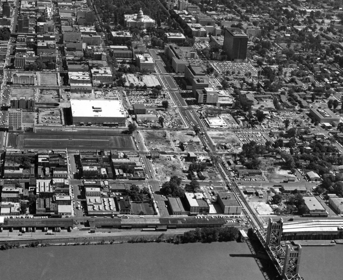 Sections Of The Downtown Sacramento Bulldozed 1960 Japantown Once Stood Within These Blocks Court Sacramento California Sacramento California State Capitol