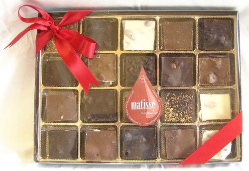 Matisse Chocolatier ~ Fresh Homemade Gourmet Chocolate Bark |Pinned from PinTo for iPad|
