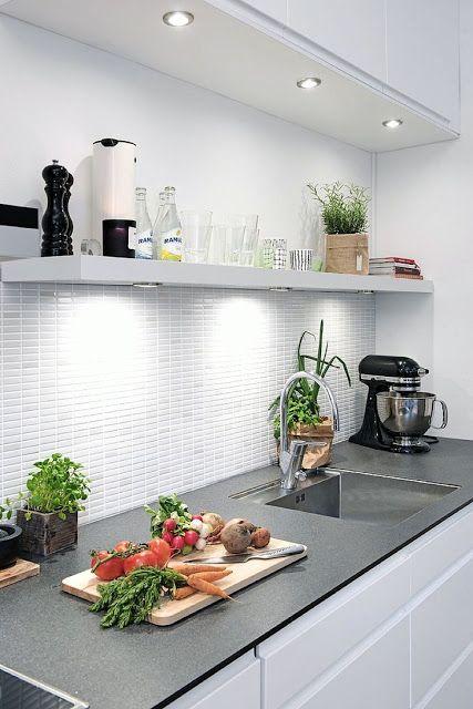 10 Cocinas blancas y pequeñas cocinas Pinterest Kitchens