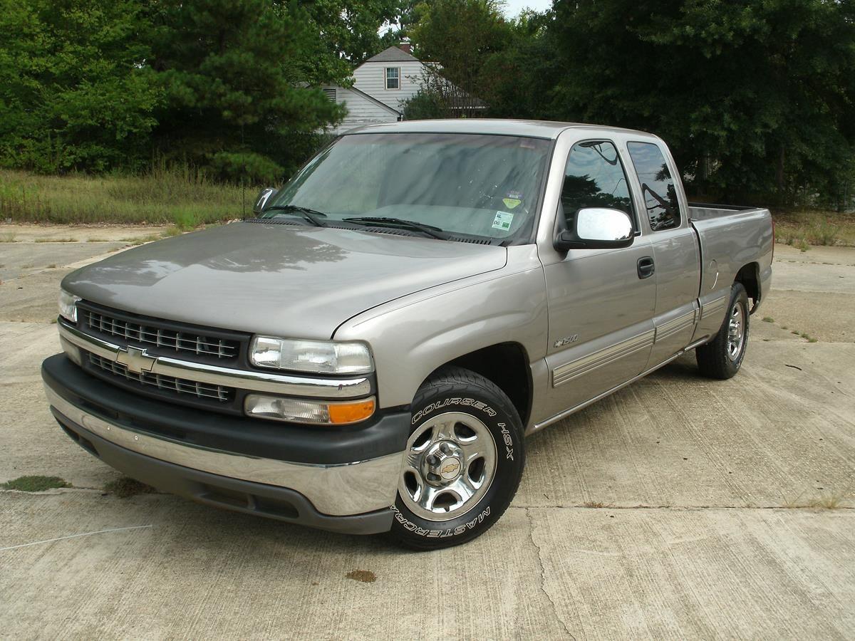 2000 Chevrolet Silverado LS Mallard Motors, LLC (With
