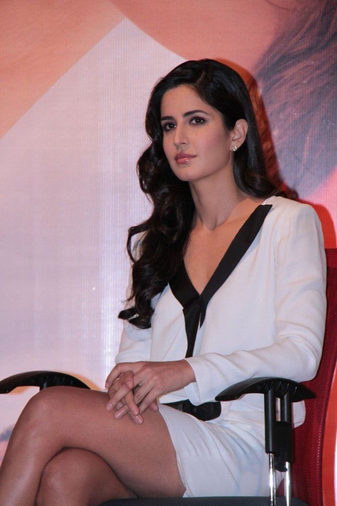 Katrina Kaif Is One Of Eight Siblings 7 Girls And 1 Boy From A Mother Who Is A Caucasian Of British N Katrina Kaif Photo Picture Of Katrina Kaif Katrina Kaif