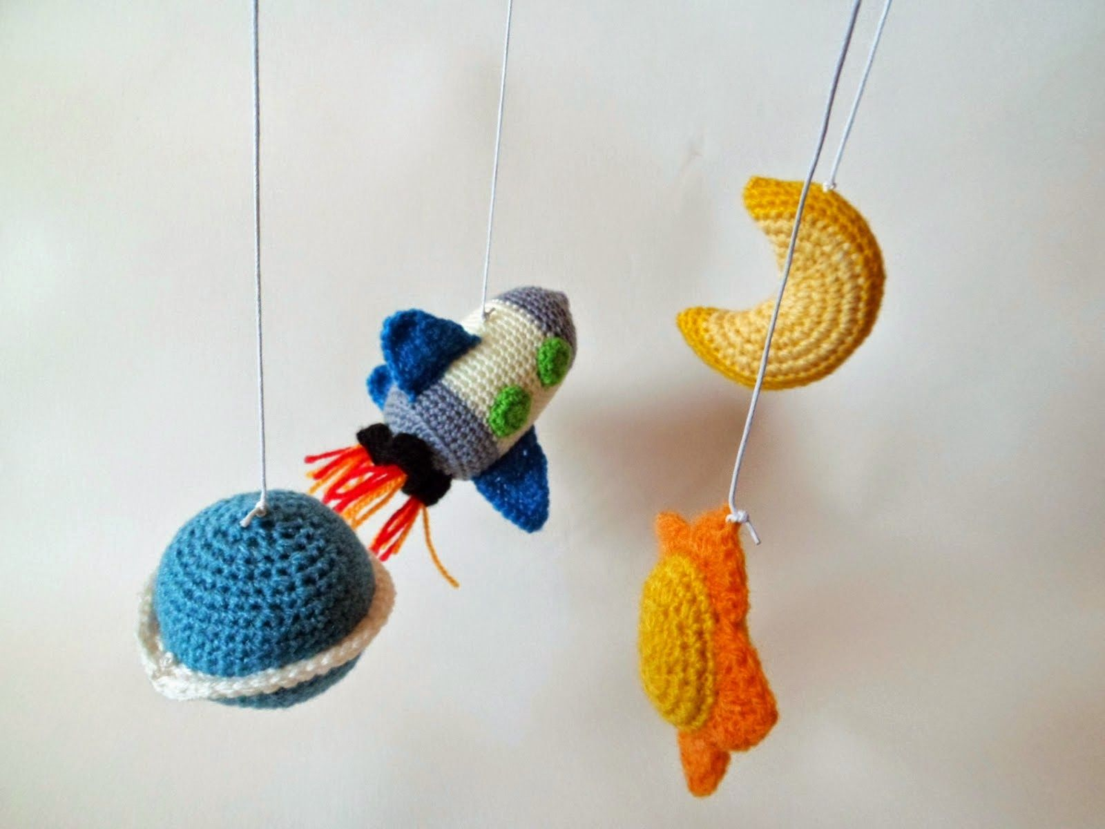 Bichus Amigurumis: Patron Planeta Amigurumi - Movil para bebe en ...