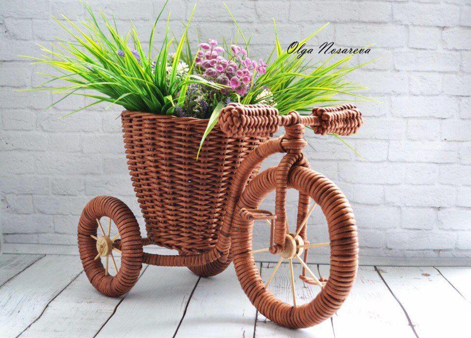 помощью велосипеды из газетных трубочек фото это время