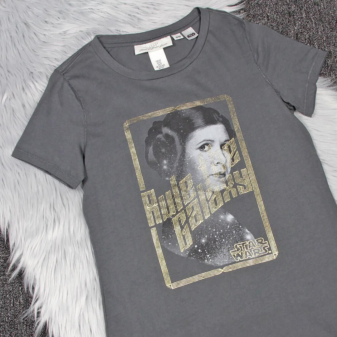 df4a722fec91e Women s Star Wars Princess Leia Rule The Galaxy T-Shirt from H M ⭐️The  Kessel Runway ⭐ Star Wars fashion ⭐ Geek Fashion ⭐ Star Wars Style ...