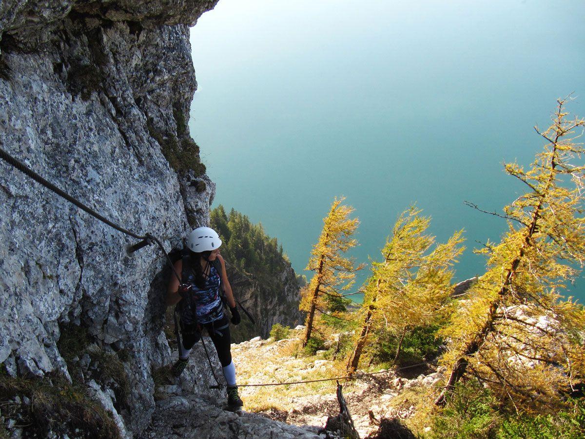 Klettersteig Attersee : Mondsee und attersee alpen Österreich europa sommer