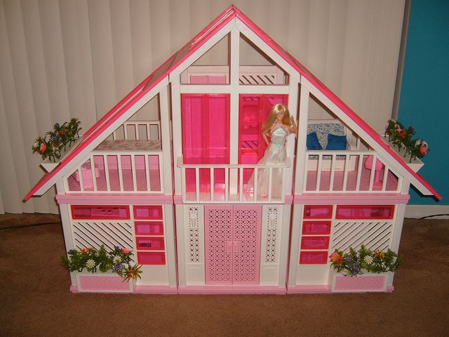 Amazing Condition 1985 Barbie Dream House By Doll Collector Via Flickr Barbie Dream House Barbie Dream Barbie House