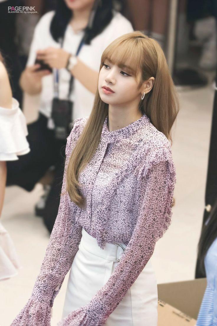 Lisa cute in 2020 | Blackpink fashion, Blackpink, Lisa ...