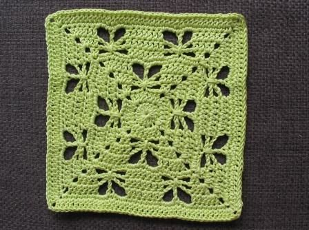 Butterfly Garden Square pattern by Chris Simon | Deckchen häkeln ...