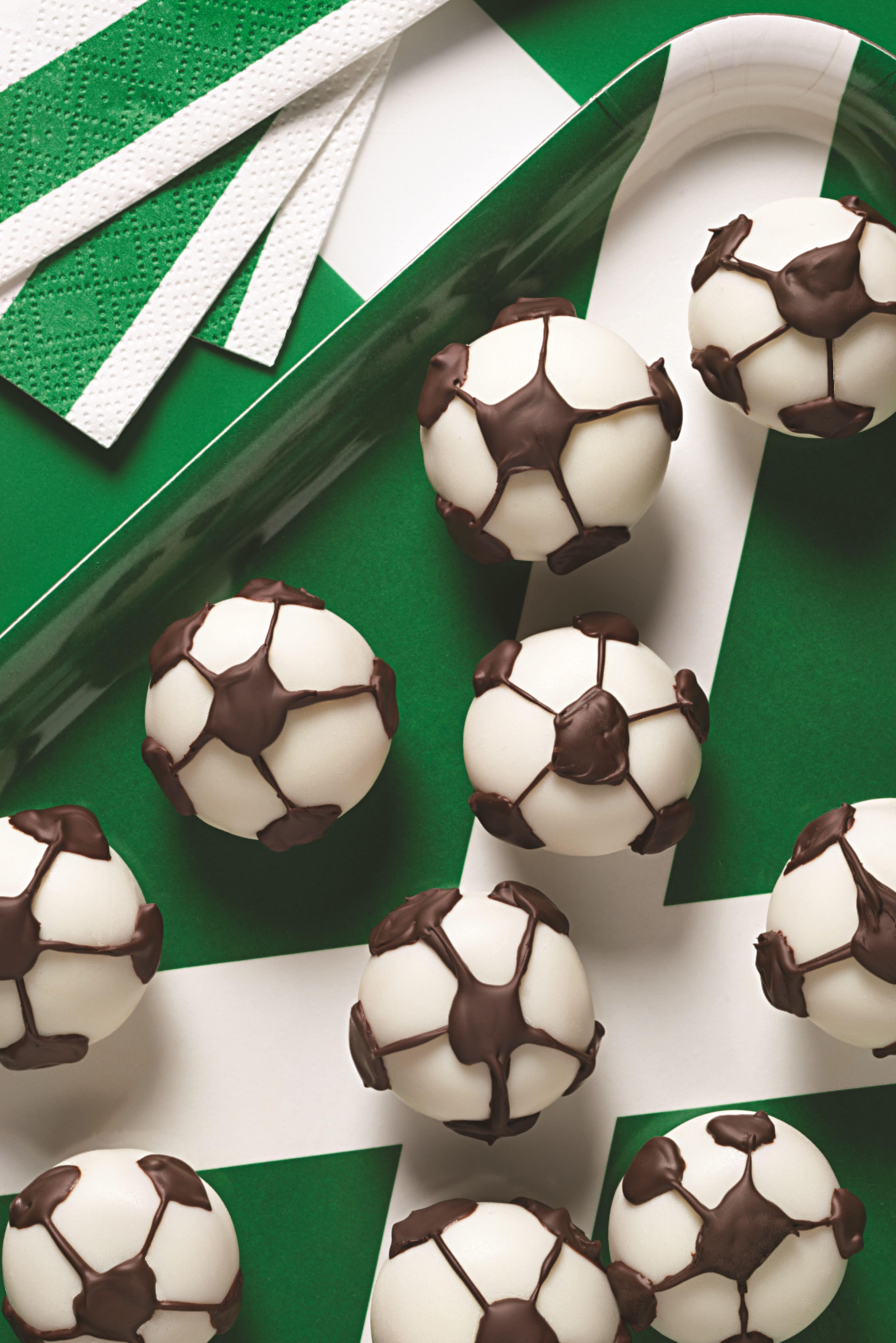 OREO Soccer Cookie Balls Recipe Soccer cookies, Cookie