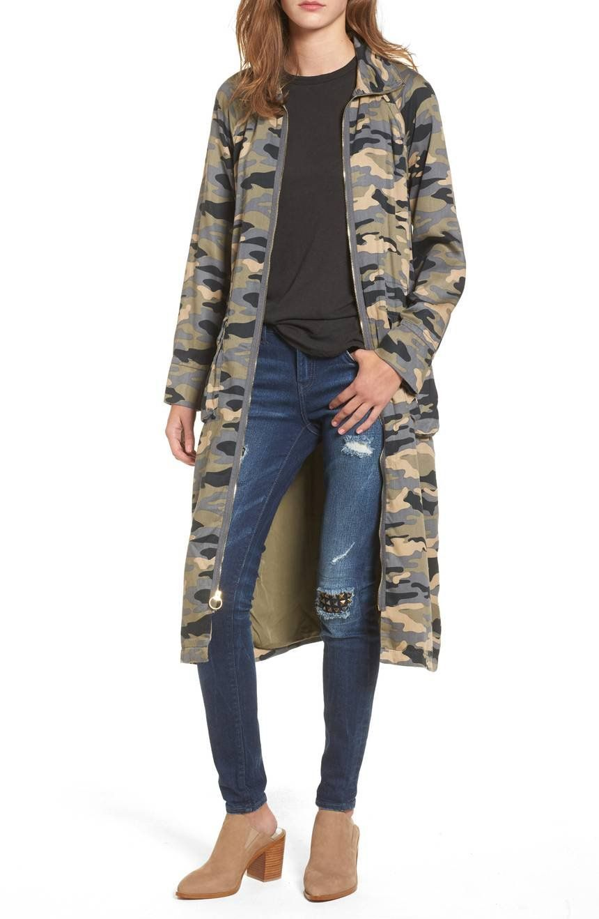A Rugged And Durable Trench Coat Colored In A Camo Motif With Roomy Utility Pockets Doesn T Blend In With The Crowd Jeans Brands Coat Coats For Women