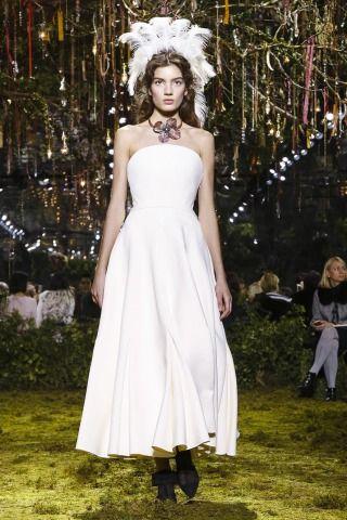 Christian Dior show live 23 January 14:30 GMT
