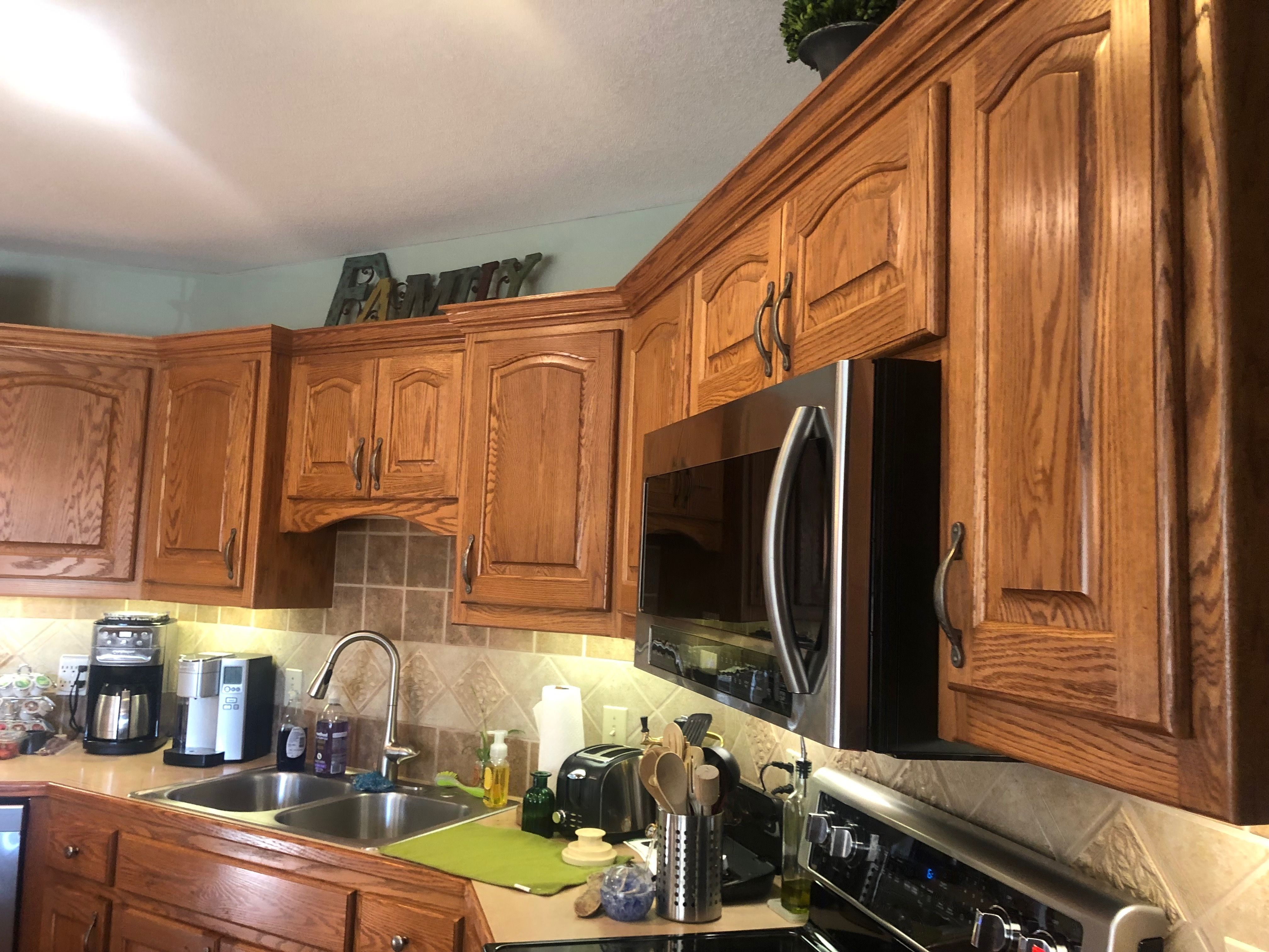 Pin By Janet Logsdon On New Home Ideas New Homes Kitchen Cabinets Home