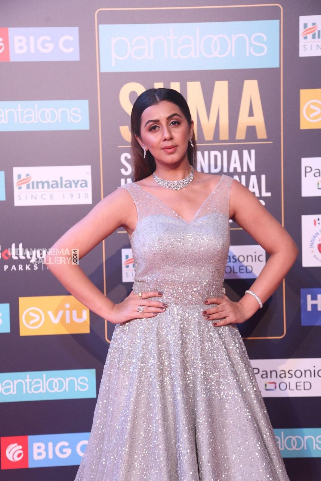 Nikki Galrani at SIIMA awards 2018 day 1 (3) | nikki darlng