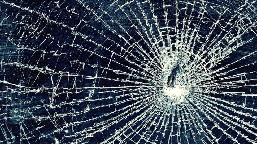 6 Broken Screen Wallpapers Prank For Windows And Mac Laptops Broken Glass Wallpaper Broken Screen Wallpaper Broken Glass