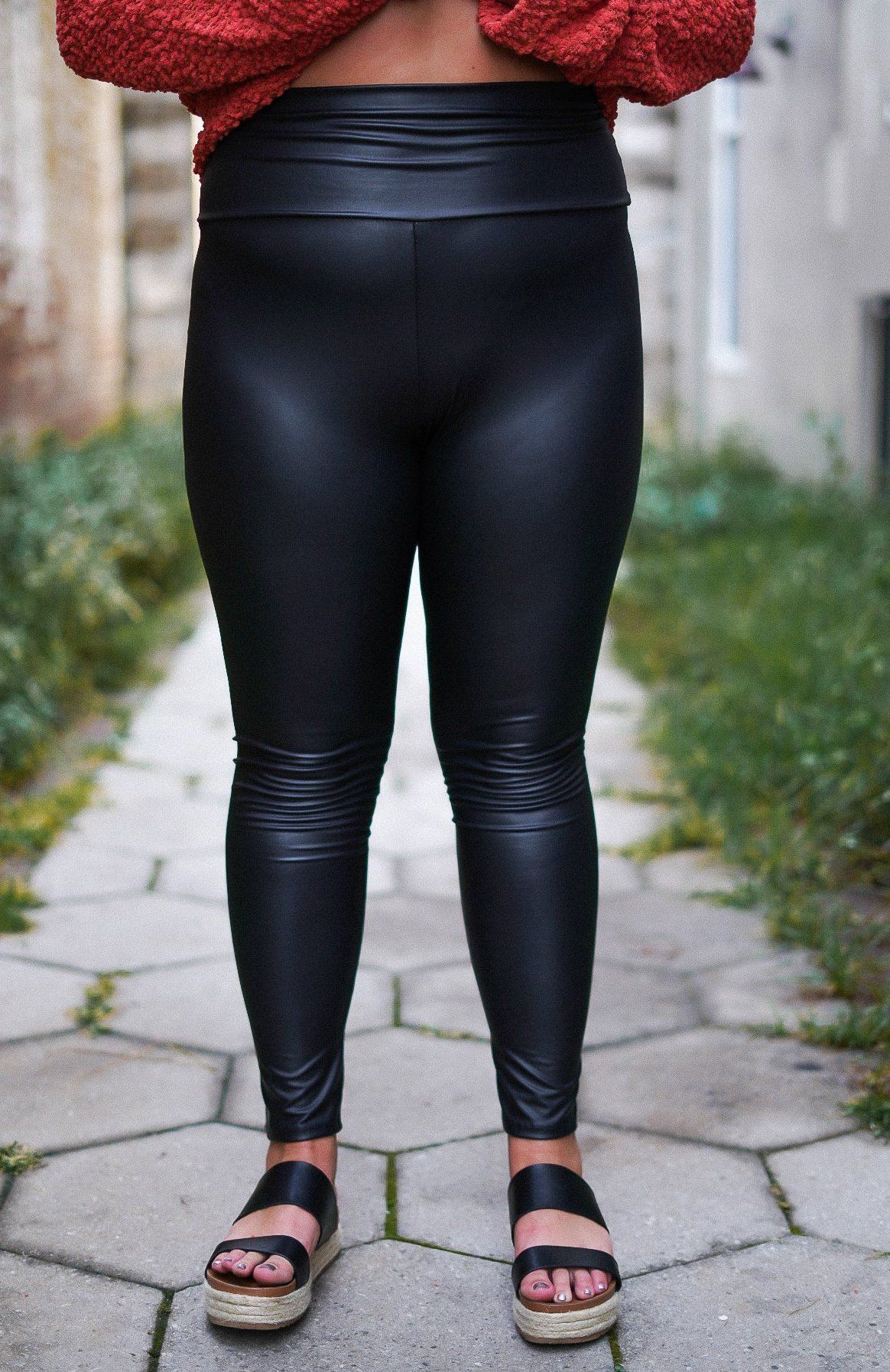 4268740d2a5ed1 Curvy Faux Leather Leggings in 2019 | latex & leather fashion