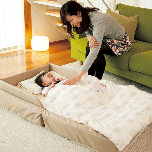 コンパクトに折り畳み バッグ状にして持ち運べるベビーベッド 寝室 からリビングへの移動や 旅行 里帰りの時に重宝する Farska ファルスカ コンパクトベッドのcuna Selectの商品紹介ページです リビング 赤ちゃんスペース ベビーベッド 赤ちゃんスペース