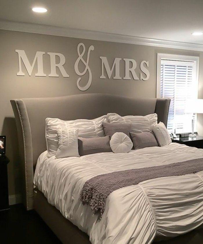 Lovely Schlafzimmer Dekorieren Wandsticker Graues Bett Graue Wand Kissen Design Inspirations