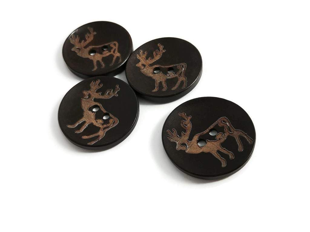 **NEW** Pkt of 4 FLORAL 30mm wide LARGE Buttons