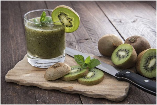 8 Amazing Benefits Of Kiwi Juice For Skin, Hair And Health