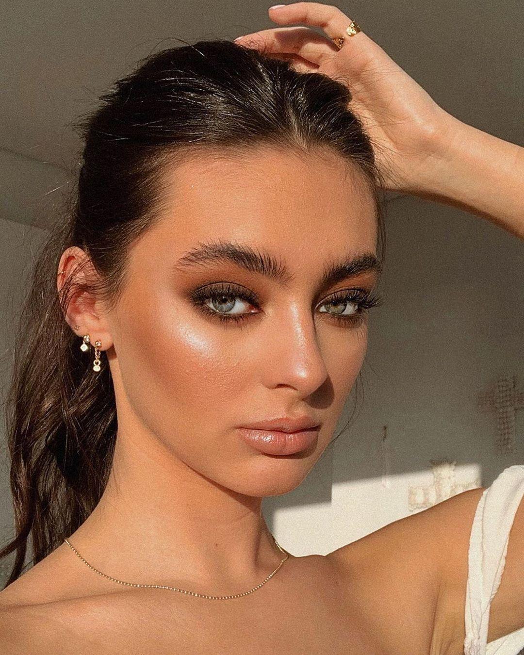 Glamazon Kuwait On Instagram Makeup By Makeupbylilik Model Georgiabutcherrr Makeup Beauty Glamazonkw In 2020 Beauty Makeup Model