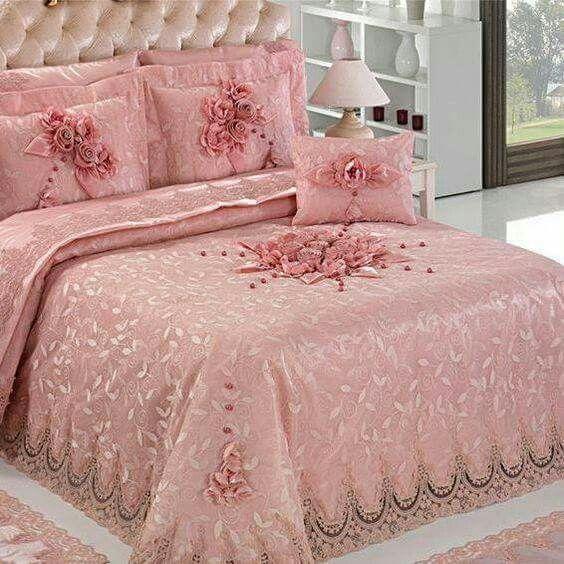 Pin de marta m ller en colchas bordadas y pintadas pinterest cubre cama ropa de cama y colchas - Cubre escritorio ...