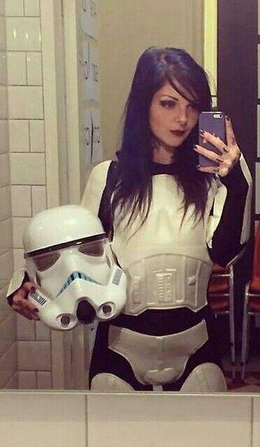 Girl star selfie wars