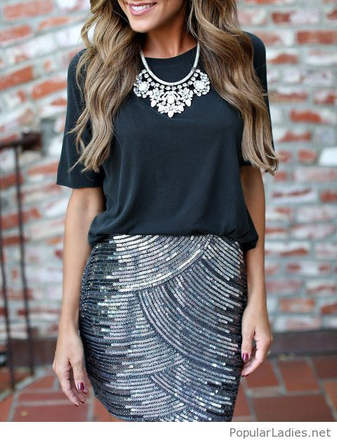 8484bb44d3 Glitter skirt and black top with a nice necklace | FASHION/CLOTHE's ...