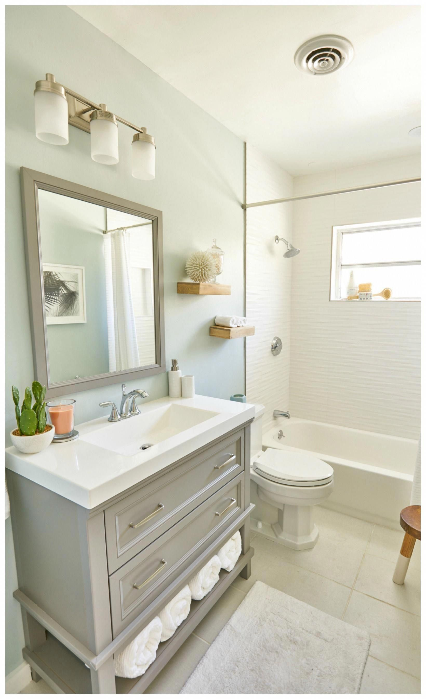 8 Ways to Make a Small Bathroom Look Bigger