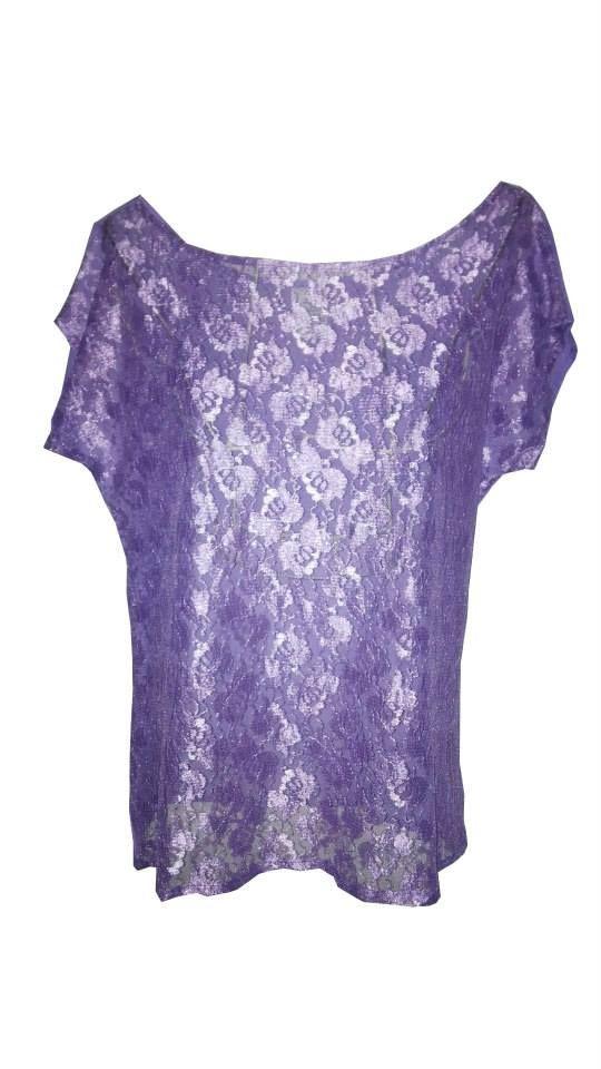 Blusa elaborada en blonda color morado lila