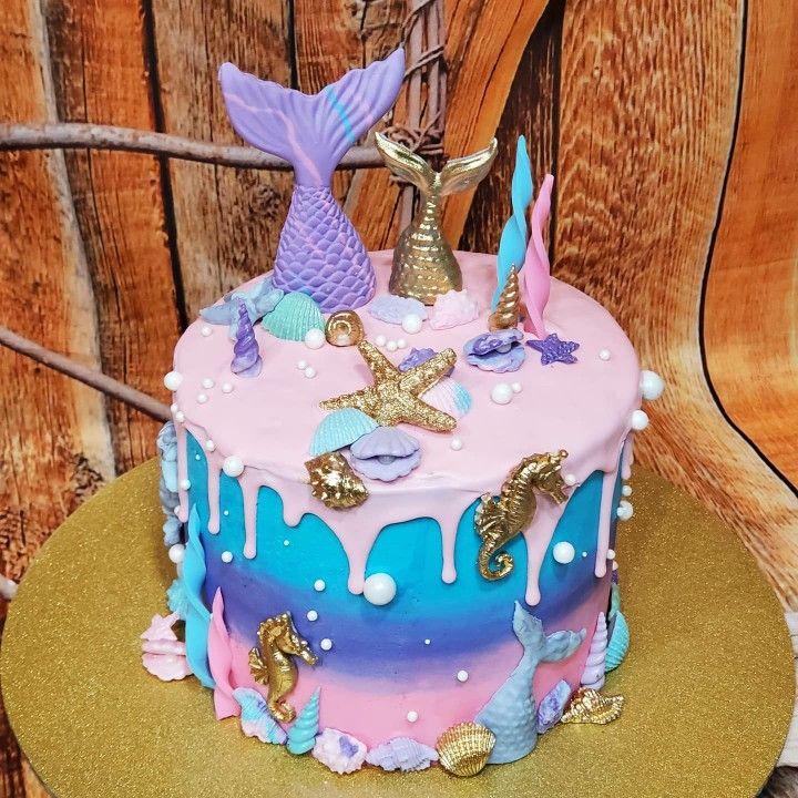 Mermaid drip cake in 2020 mermaid cakes mermaid cupcake