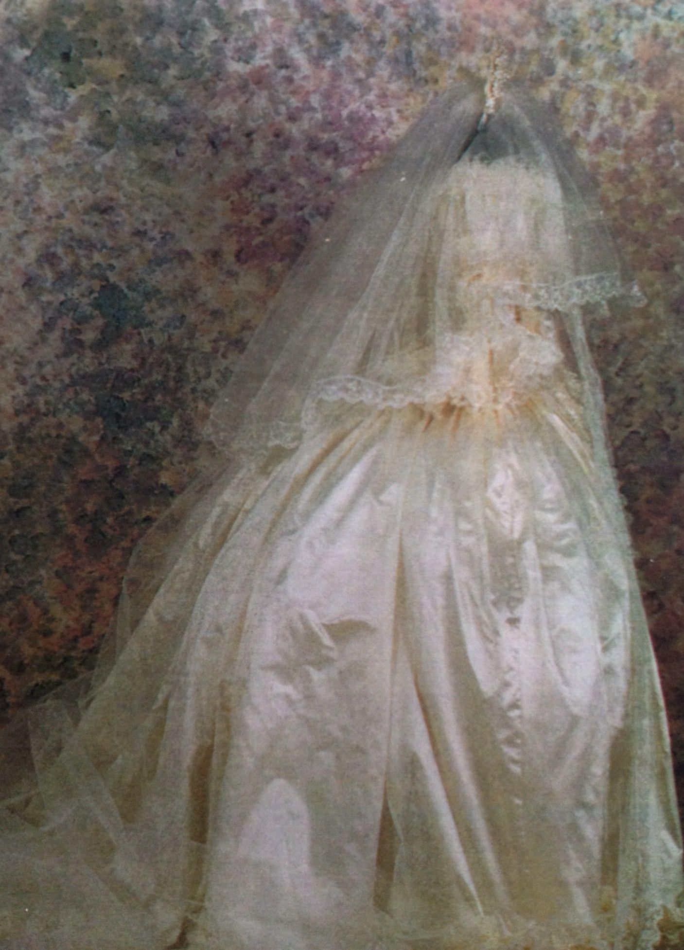 Wedding Dresses Qatar : Side view of qatar royal wedding dress by louise hamlin
