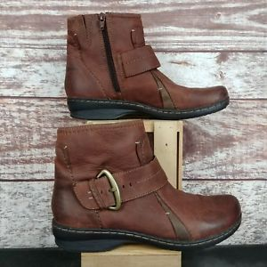 241a1a067bb Clarks Artisians Ideo Feast Womens Brown Leather Zip Ankle Boots Sz 9.5 VGUC