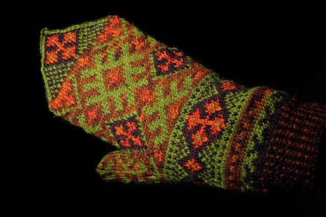 Bilderesultat for votter strikk
