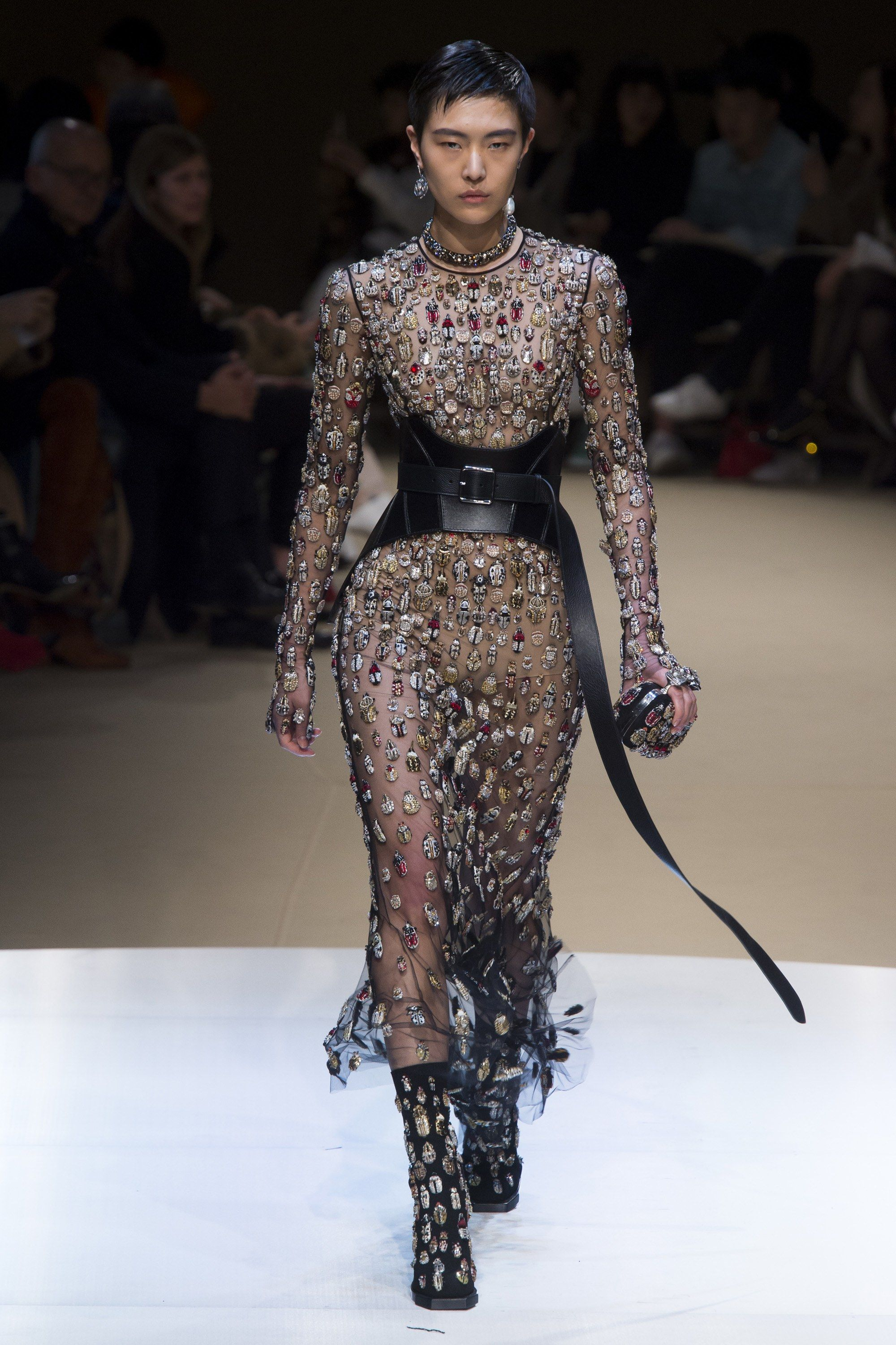 Alexander McQueen Fall 2018 Ready-to-Wear Fashion Show in ...