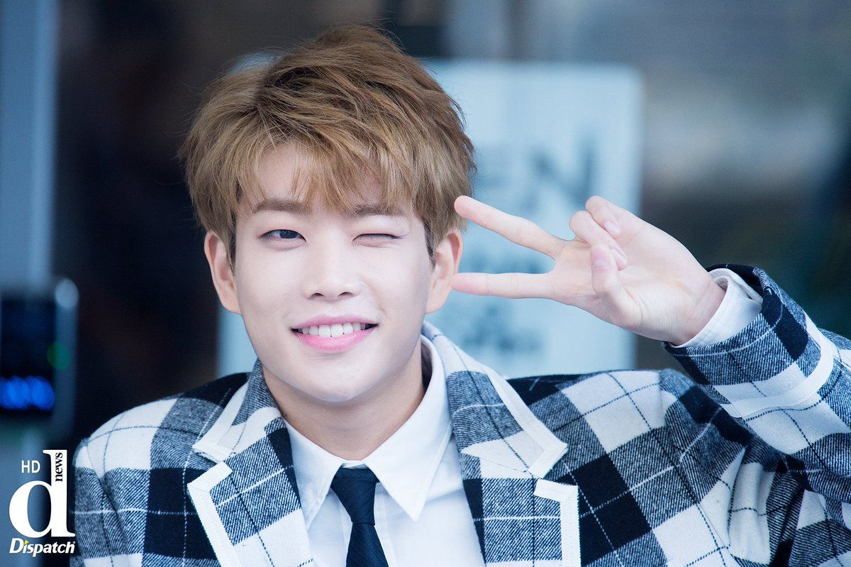 [14.11.16] Astro for Dispatch - MyungJun