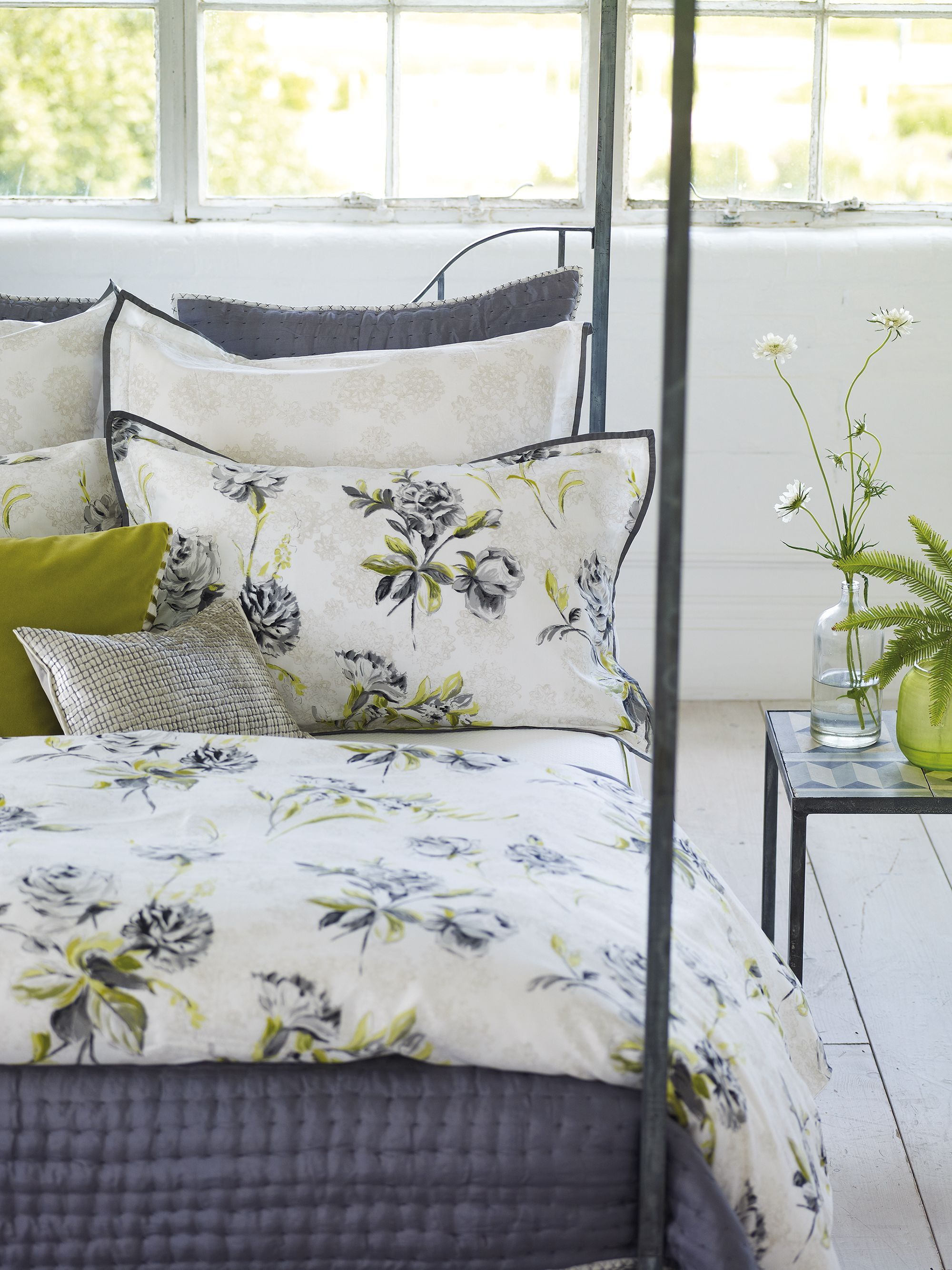 Designers Guild Freya Bedlinen Fresh And Light Printed Floral