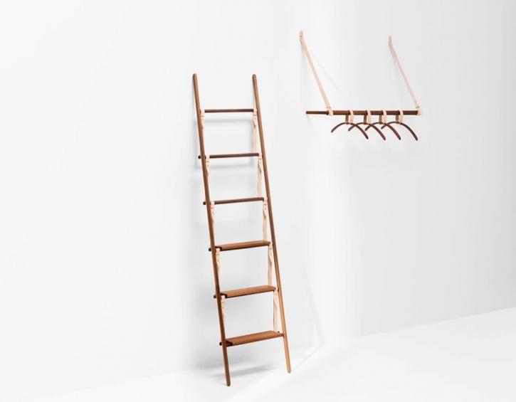 The Wallpaper Bedroom Sleep Easy With These Boudoir Adornments Vetements Design Bois Et Cuir Portant Vetement