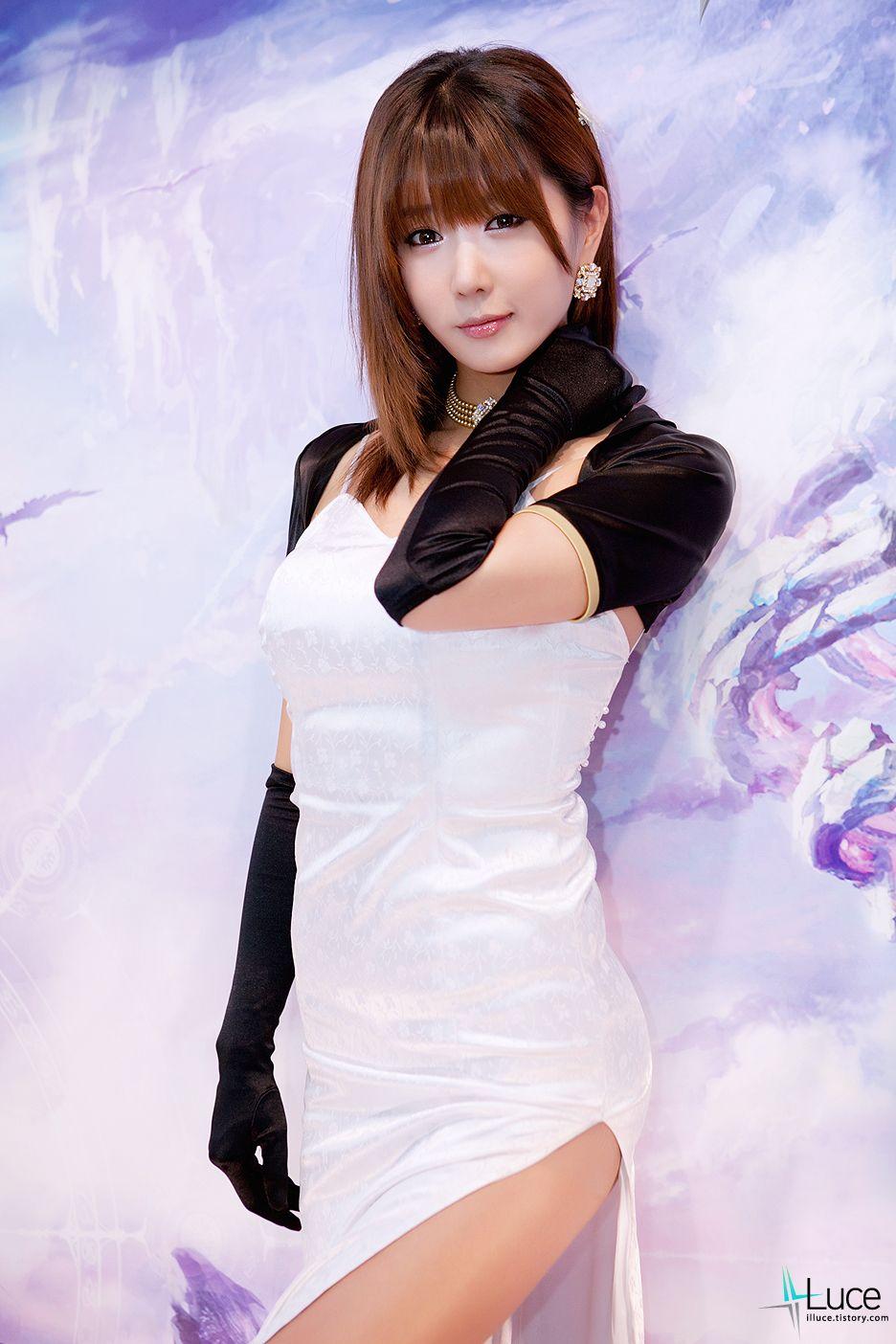 Asian model race show