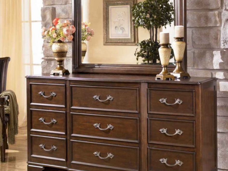 Luxury Bedroom Dressers - Simple Interior Design for Bedroom Check ...