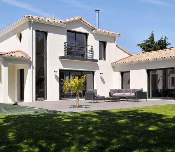 Maisons traditionnelles en 2019 maison plan pinterest maison maison traditionnelle et - Difference entre villa et maison ...