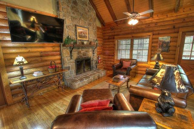 Mountain Magic 3 Bedroom Cabin At Parkside Cabin Rentals Wood Burning Fireplace Gatlinburg Cabin Rentals Cabin Rentals